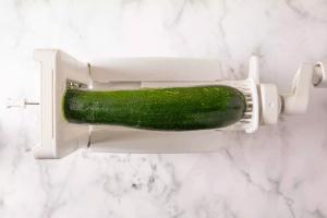 Make Zucchini noodles use spiralizer appliance